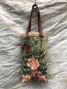 ONE OF A KIND PAINTING BAG - Rose A series of unique, leather handled carry bags made by hand using vintage oil paintings sourced exclusively from. Diy Handbag, Diy Purse, How To Make Purses, Crochet Headband Pattern, Unique Purses, Work Bags, Tote Backpack, Fabric Bags, Beautiful Bags