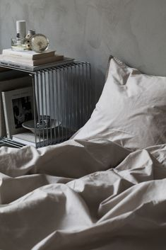Midnatt Autumn 2017 Campaign. Pebble grey duvet bedding and pillow case. Styling: Josefin Hååg Photo: Mikael Lundblad