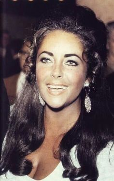 Elizabeth Taylor......Such a beautiful face..... B.