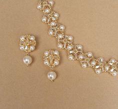 Coronas clásico cristal conjunto pendientes y por BridalDiamantes