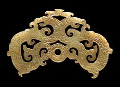China, Double Dragon Pendant Framing a Disc, Warring States Period, 475 - 221 BCE. Ancient China, Ancient Art, Chinoiserie, Chinese Arts And Crafts, Warring States Period, Chinese Element, Chinese Patterns, Oriental Pattern, China Art