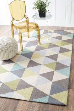 Decorar con formas geométricas: decorar con triángulos a través de textiles como una alfombra #decoracion #formasgeometricas #triangulos