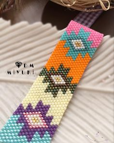 ~Yeni haftaya yepyeni rengarenk bir tasarımla başlamak istedim Güzel bir hafta geçirmeniz dileğiyle ~Etnik model güzelliği ~Design &photo Dm miyuki • • • • • • #miyuki #bileklik #bracalet #jewelry #design #handmade #elemeği #love #trend #style #like4like #fashion #takı #moda #happy #details #colors #colorful #beauty #beautiful #instadaily #instagood #art #instalove #accessories #girls#etnik #taki #beads