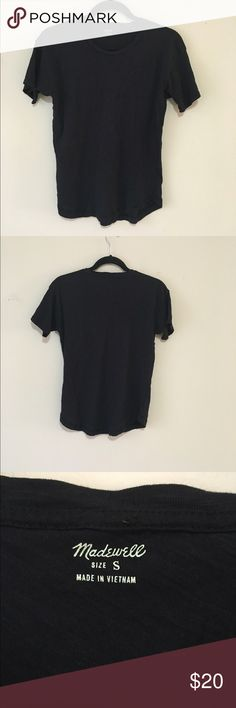 Black Madewell Women T-shirt S In excellent condition, very tiny black spot in front somewhere, couldn't catch in picture , doesn't show at all. Madewell Tops Tees - Short Sleeve