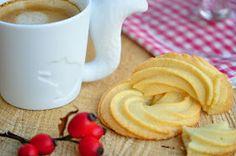 Voyage au pays de la patisserie: Dánské máslové sušenky Food And Drink, Tableware, Baking, Kitchen, Mugs, Travel, Dinnerware, Cooking, Tablewares