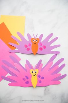 Over of the best Mothers Day Crafts for Kids. Lots of homemade crafts and gifts kids can make for Mother's Day. Handprint crafts, cards, and keepsakes Mom will love! Easy Mother's Day Crafts, Mothers Day Crafts For Kids, Diy Mothers Day Gifts, Mothers Day Cards, Diy Crafts For Kids, Fun Crafts, Gifts For Kids, Arts And Crafts, Handprint Butterfly