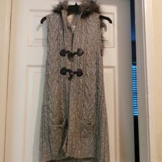 Knited long vest Great vest to wear with leggins and  sweater underneath Aeropostale Sweaters Cardigans