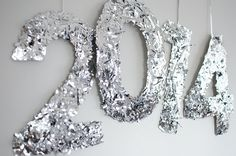 "Diy Confetti Nye Numbers  #DIY #sparkle This would be cute if it said ""Prom"" or ""2015"" or something"
