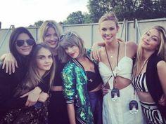 Taylor Swift invited Kendall Jenner, Gigi Hadid, Cara Delevingne, Karlie Kloss and Martha Hunt to her show in London June 2015 Karlie Kloss, Taylor Swift Squad, Taylor Alison Swift, Taylor Swift Kendall Jenner, Hyde Park, Khloe Kardashian, Kendall Jenner Outfits, Kylie Jenner, Kanye West