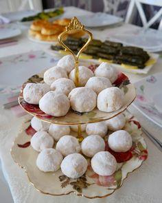 Ağızda dağılan, bir tane yedikten sonra bir daha yemek isteyeceğiniz, tadına bakanların tarifini isteyeceği harika kurabiyelerim var😍🙋♀️👌…