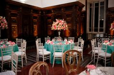 Se inspire nas paletas de cores azul turquesa e rosa para a sua decoração!
