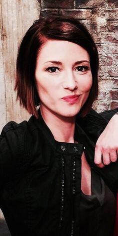 Alex Chyler Leigh, Short Hair Cuts, Short Hair Styles, The Cw, Alex And Maggie, Alex Danvers, Lexie Grey, Cw Dc, Supergirl Dc