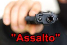 O ASSUNTO É... Ronda Policial: Assaltante 'desastrado' enrosca arma na camiseta e...