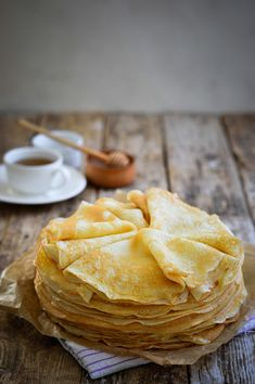 Protein crepes are one of the best breakfasts you can have if you are looking for a low-carb and high-protein meal to start your day. Waffle Recipe Without Butter, Small Batch Waffle Recipe, Waffle Recipe No Milk, Best Waffle Recipe, Yummy Pancake Recipe, Breakfast Waffle Recipes, Martha Stewart Cooking, Martha Stewart Recipes, Pastries
