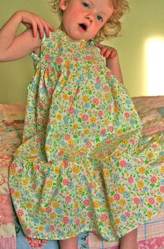 Sweet Pillowcase nightgown tutorial PDF to download