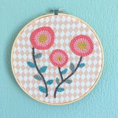 punchneedle by Martha Petitjean. Diy Embroidery Crafts, Hand Embroidery Stitches, Embroidery Hoop Art, Little Stitch, Punch Art, Punch Needle, Rug Hooking, Craft Work, Yarn Crafts