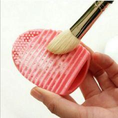 Lot of 10 egg brush cleaner make up Wholesale lot of 10 eggs(5blue,5pink) MAC Cosmetics Makeup Face Primer
