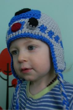 Nesting Sticks: Crocheted R2D2 Earflap Hat {Pattern}