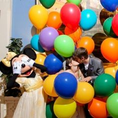Our top 10 favorite Disney wedding photos of all time! (Photo: Disney Fine Art Photography)