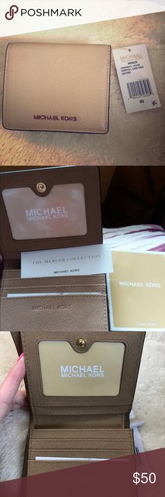 Michael Kors Carry All Card Case, Oyster 100% Authentic Comes with care card  **Please ask all questions BEFORE purchasing, Returns are not accepted** ** Free beauty product sample with purchase ** Michael Kors Bags Wallets