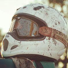 MotoMondiale: Motorbikes & C Motorcycle Design, Motorcycle Style, Motorcycle Fashion, Vintage Helmet, Vintage Racing, Rockers, Rockabilly, Rock And Roll, Big Boyz