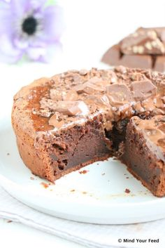 Salted caramel brownie taart - Mind Your Feed - Kuchen Machen Baking Recipes, Cake Recipes, Dessert Recipes, Pie Cake, No Bake Cake, Baking Bad, White Chocolate Recipes, Delicious Desserts, Yummy Food