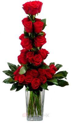 Kytice rudých růží - kaskáda - rudé růže - kaskáda