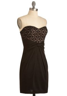 love the classic little black dress....if I only had the little figure....one day soon!!