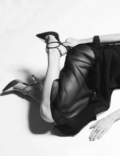I tacchi alti fanno diventare una donna il 25% più dominante, il 50% più sicura di se stessa e il 100% più sexy. - Marilyn Monroe