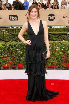 Nicole Kidman red satin tea-length red carpet dress at Emmys Sleeveless plunging V neckline with straps. Tea-length A-line celebrity semi-formal party gown. Party Gowns, Party Dress, Celebrity Weddings, Celebrity Style, Kathryn Hahn, Hollywood, Sag Awards, Black Evening Dresses, Prom Dresses