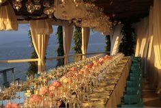#HLo Tips: Montaje para cena formal pocos invitados, teniendo como escenario el mar, utilizando colores neutros.