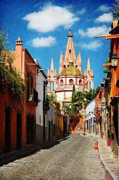 San Miguel de Allende, México. Un destino lleno de colores, tradición y rincones románticos.