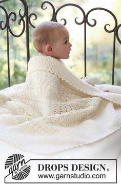 Strikket babytæppe med bølgemønster i DROPS Merino Extra Fine eller Sky.