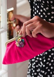 Free pattern: Pleated Purse Frame Purse · Sewing | CraftGossip.com
