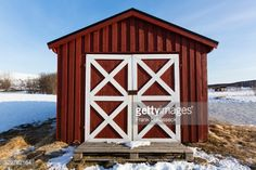 Typical fishing hut on Sandnes Sundet in winter, close-up... #sandnes: Typical fishing hut on Sandnes Sundet in winter, close-up… #sandnes