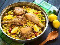 poivre, riz, poivron rouge, oignon, huile d'olive, escalope, sel, safran, poivron, petit pois