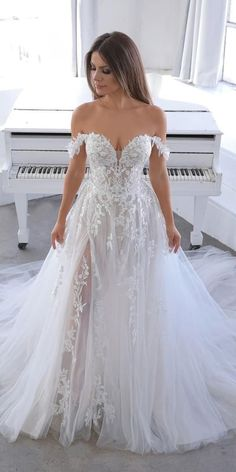 21 Princess Wedding Dresses For Fairy Tale Celebration Princess wedding dresses are perfectly suited for those who want to make her wedding day memorable. In this dress you will feel like in a fairy tale. Cute Wedding Dress, Sweetheart Wedding Dress, Wedding Dress Trends, Princess Wedding Dresses, Best Wedding Dresses, Bridal Dresses, Wedding Ideas, Gown Wedding, Wedding Rings