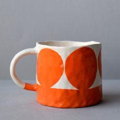 Pottery Mugs, Ceramic Pottery, Pottery Art, Pottery Painting Designs, Pottery Designs, Ceramic Clay, Ceramic Painting, Keramik Design, Custom Art
