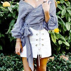 Black/White/Pink Off Shoulder Ruffle Trendy Blouse White Cotton Blouse, Cotton Blouses, Shirt Blouses, Printed Silk Fabric, Cardigan Shirt, Skirt Suit Set, Fashion Black, Trendy Fashion, Latest Fashion