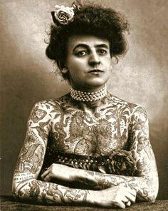 Maud Wagner, the first female tattoo artist in the U.S. 1911 pic.twitter.com/Fg1tX7prax