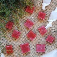 Denna hallonkola kvalade in som förra julens godaste julgodis. Den äkta bärsmaken är oslagbar jmf med köpesvarianterna så det är helt klart värt att göra dessa! I år blir det några få utvalda sorte…