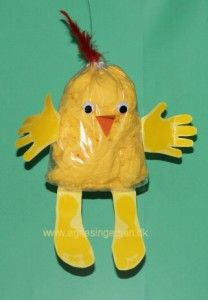 Pose kyllinger « Agnes´ kreative univers Easter Art, Easter Crafts For Kids, Diy For Kids, Paper Plate Art, Chicken Crafts, Rubber Duck, Kids And Parenting, Diy Crafts, Poses