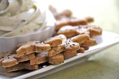 Cheddar Poppy Seed Crackers--these sound absolutely divine--crispy, buttery crackers that will melt in your mouth!