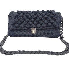 Πλεκτή τσάντα ώμου σκούρα μπλέ με καπάκι bubble Embroidery Bags, Chanel Boy Bag, Shoulder Bag, Crochet, Boys, Handmade, Fashion, Baby Boys, Moda