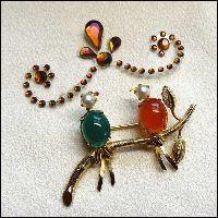 Bird Pin 1950s Vintage Cultured Pearls w Gemstones IPS Signed Brooch $85