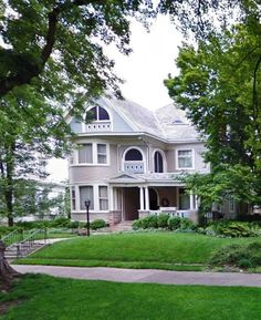 OldHouses.com - 1900 Victorian: Queen Anne - Elegant Historic Marietta Victorian in Marietta, Ohio