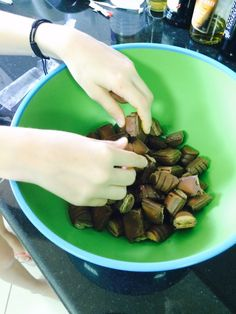 gateau-chocolat-et-mascarpone-de-cyril-lignac-mousse-kinder-bueno. www.fabicooking.com