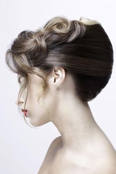 Sharon Blain's tutorial demonstrates a basic French roll technique with a defined, suave silhouette French Roll Hairstyle, French Twist Updo, Elegant Hairstyles, Up Hairstyles, Wedding Hairstyles, Hair Up Styles, Hair Style, French Pleat, Hairdressing Training