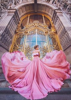 I Travel The World To Photograph Girls In Dresses Against Backgrounds Of The Most Beautiful Places Petit Palais, Paris, France. Fantasy Dress, Poses, Pretty Dresses, Most Beautiful Dresses, Marie, Ball Gowns, Fashion Photography, Photography Props, Newborn Photography