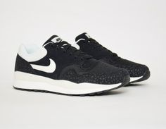 #Nike - Air Safari - Black